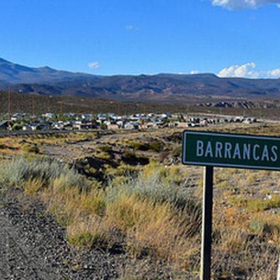 Abuelos solidarios con vecinos de Barrancas