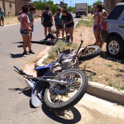 Un motociclista impactó con un vehículo en el Parque Este