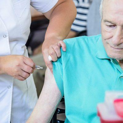 Covid 19: Hoy y mañana vacunarán a abuelos de la comarca