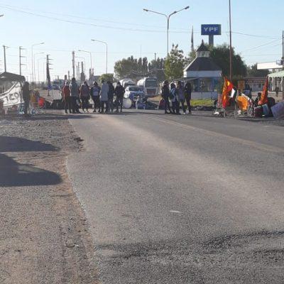 El bono provincial no desactivó la protesta, siguen los cortes de ruta