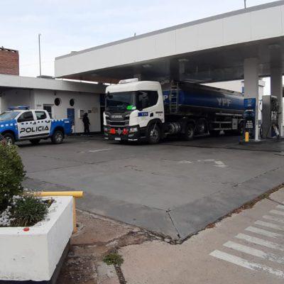 Está llegando el combustible a la comarca, pero a cuentagotas