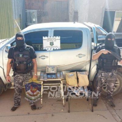 Tres detenidos, un arma y una camioneta secuestrada por caso de violencia