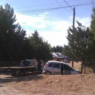 Chocaron y dejaron el vehículo abandonado con una planta de marihuana adentro