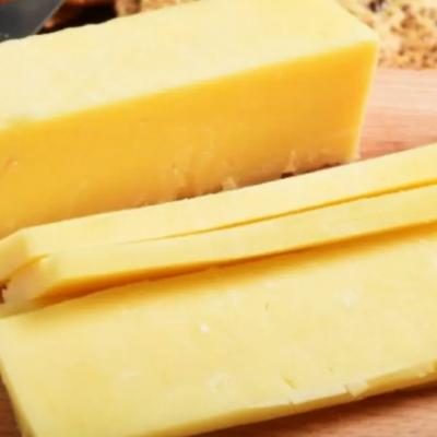ANMAT prohibió la comercialización de dos quesos