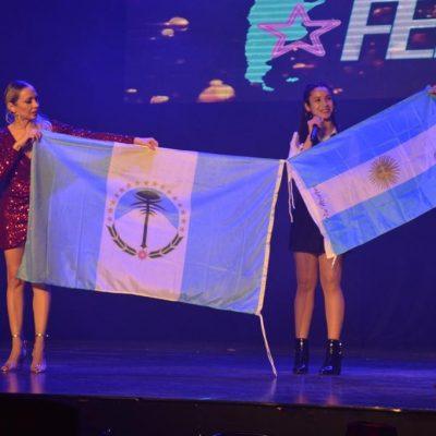 "Pia Mieres se luce en ""Talentos Federales"""