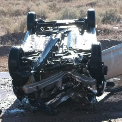 Un vehículo terminó tumbado a la vera de Ruta 22