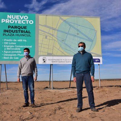 El intendente junto al vicegobernador destacaron el desarrollo de Plaza Huincul