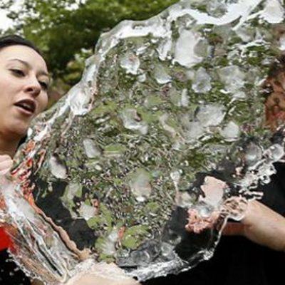 Matrimonio espantó a ladrones con un balde de agua fría
