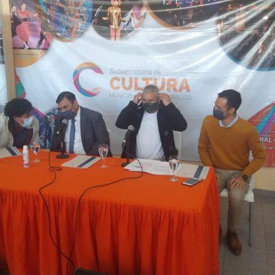 """Futbol Comunitario, homenaje a """"Martin Garrido"""" y anuncio de obras en Cutral Co"""
