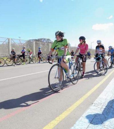 Jóvenes de la comarca en concentración ciclística