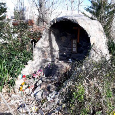 Vándalos dañaron la ermita de la Virgen de Lourdes