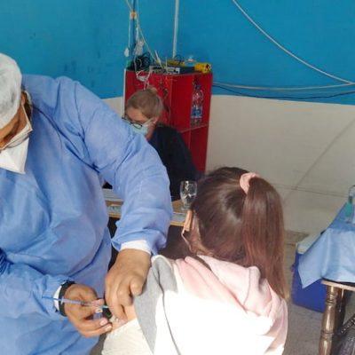 Completaron esquema de vacunación a esenciales en Huincul