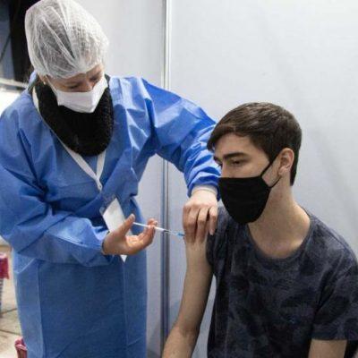 Comienza la vacunación a adolescentes sin factores de riesgo