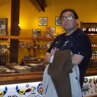 El profe Alejandro Torres se jubiló tras 30 años en la escuela