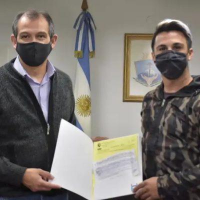 El Intendente Suárez hizo entrega de dos aportes económicos